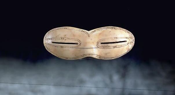 Nejstarší sluneční brýle Inuitů