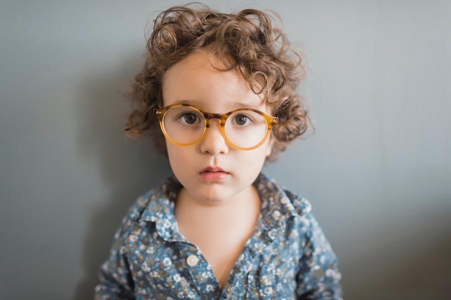 Kazí brýle dětem zrak?